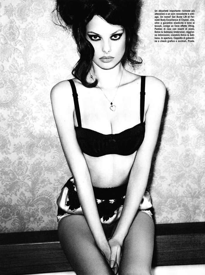 Dioni Tabbers photographed by Ellen Von Unwerth for Vogue Italia, July 2010 2