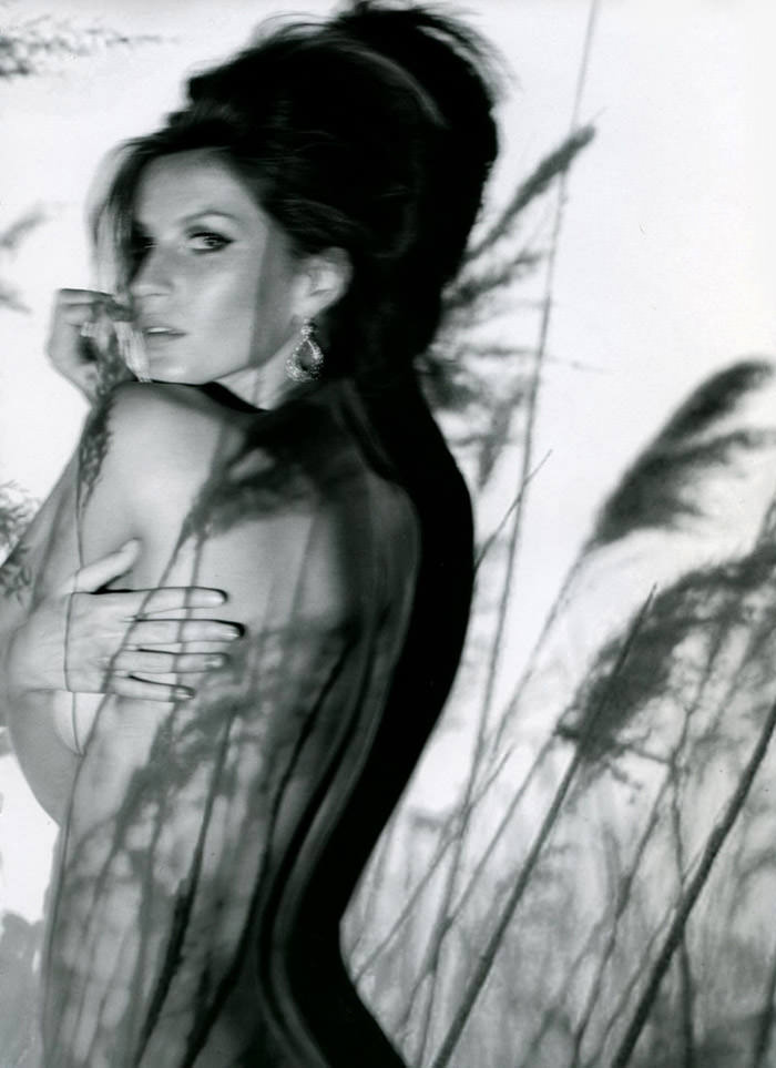 """Gisele Bündchen photographed by Nino Muñoz in """"Earth Angel"""" for Muse, Summer 2010 7"""