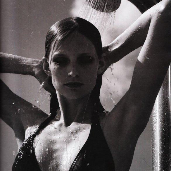 """Katrin Thormann photographed by Blaise Reutersward in """"Salz auf unserer Haut"""" for Vogue Deutschland, November 2010 1"""