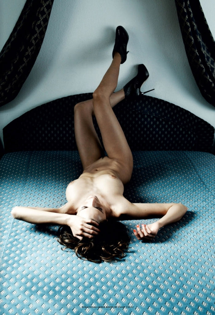 """Réka Ebergényi photographed by István Lábady in """"Flesh Of The Orchid"""" for The Room Magazine, Fall & Winter 2010 / 2011 6"""