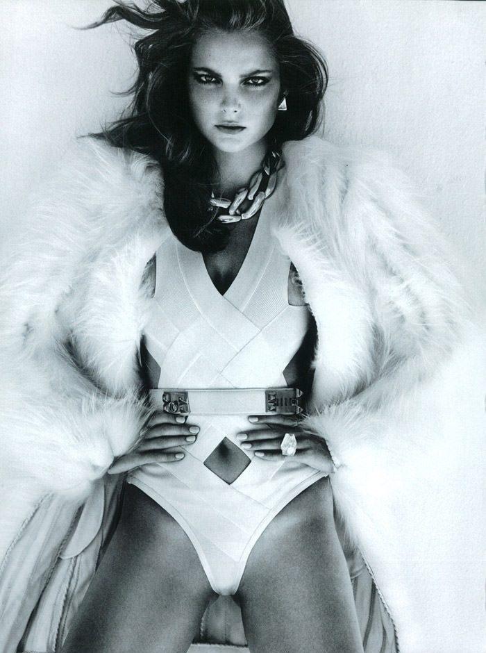 "Enikő Mihalik photographed by Greg Kadel in ""Like A Star"" for Vogue Italia, November 2010 6"