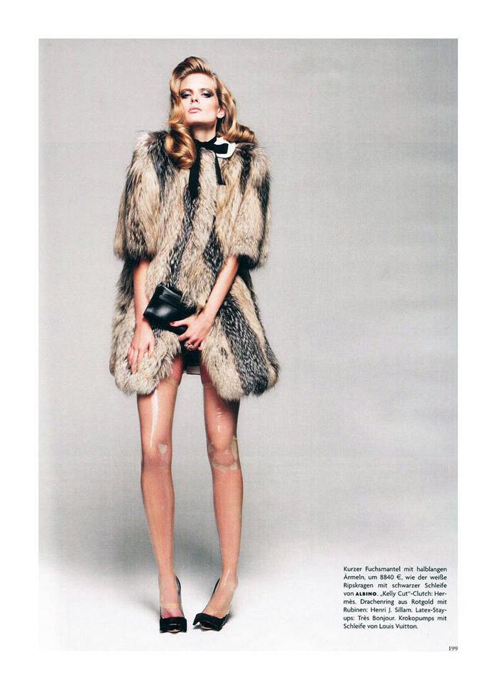 """Julia Stegner photographed by Claudia Knoepfel & Stefan Indlekofer in """"Freistil"""" for Vogue Deutschland, December 2010 3"""