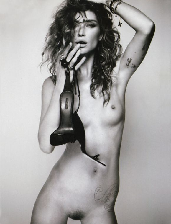 Erin Wasson photographed by Kayt Jones for i-D, Pre-Spring 2011 2