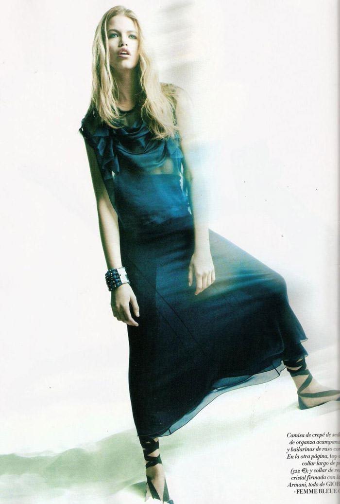 """Hailey Clauson photographed by Victor Demarchelier in """"El Gran Azul"""" for Vogue España, March 2011 8"""