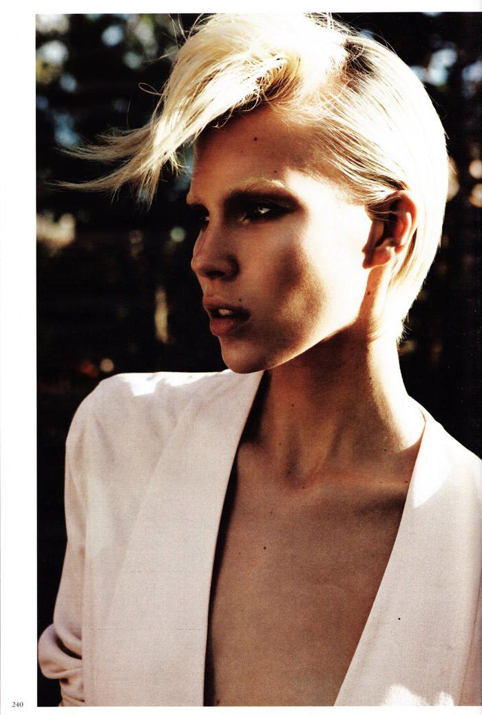 "Britt Maren photographed by Knoepfel & Indlekofer in ""Carte Blanche"" for Vogue Deutschland, April 2011 10"
