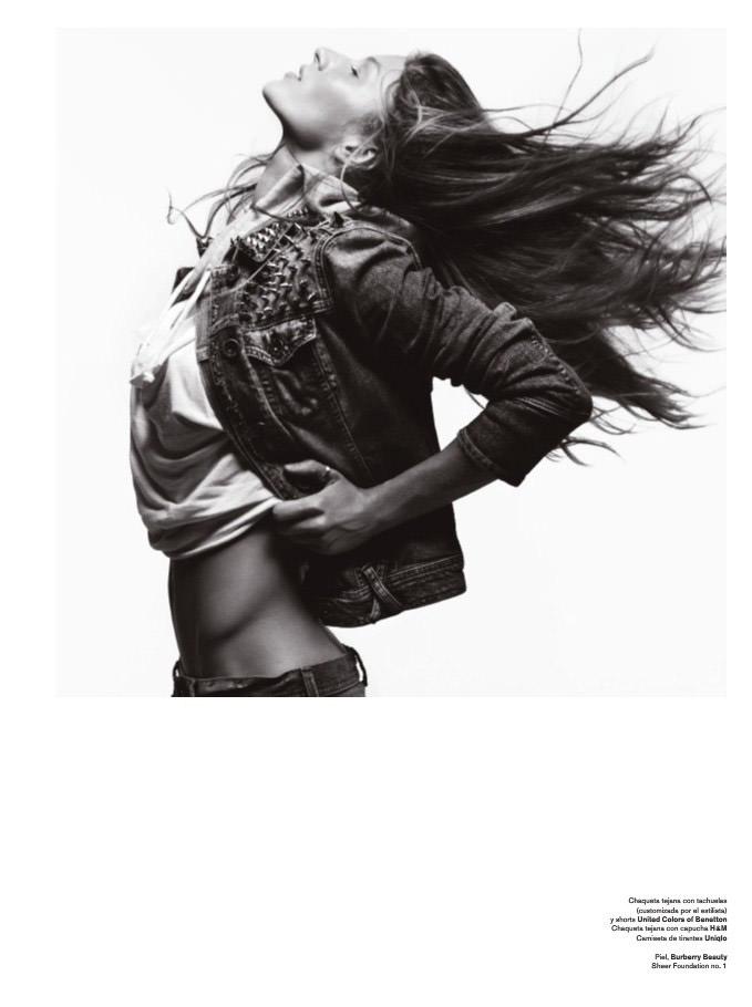 "Gisele Bündchen photographed by Hedi Slimane in ""Yo Soy Gisele"" for V España #9, Summer 2011 6"