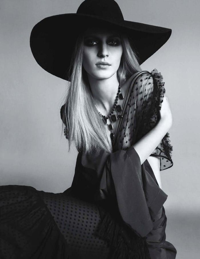 Julia Nobis photographed by Anthony Maule for Numéro #139, December 2012