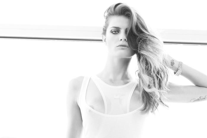 Isabeli-Fontana-by-Katja-Rahlwes-for-Lui-Magazine-11