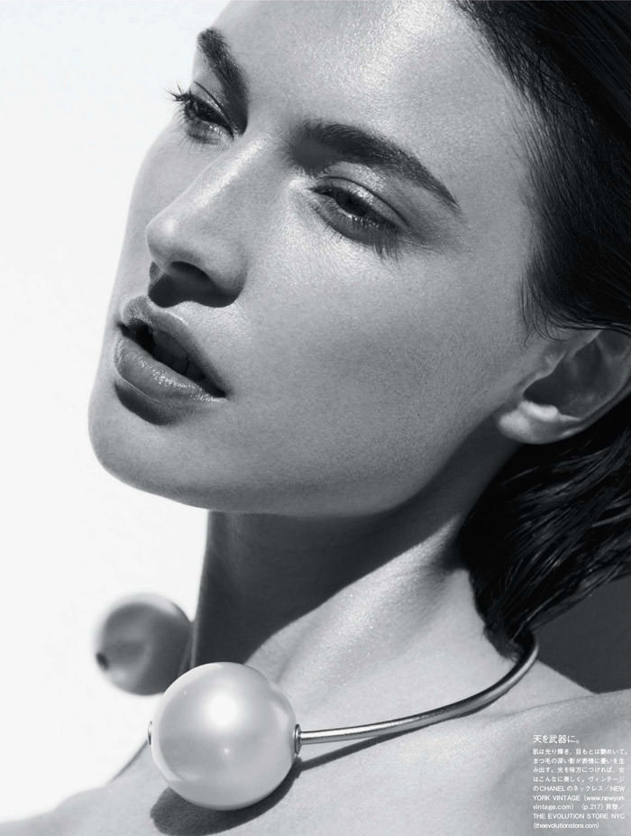 Jacquelyn Jablonski photographed by Julia Noni for Vogue Japan, May 2014