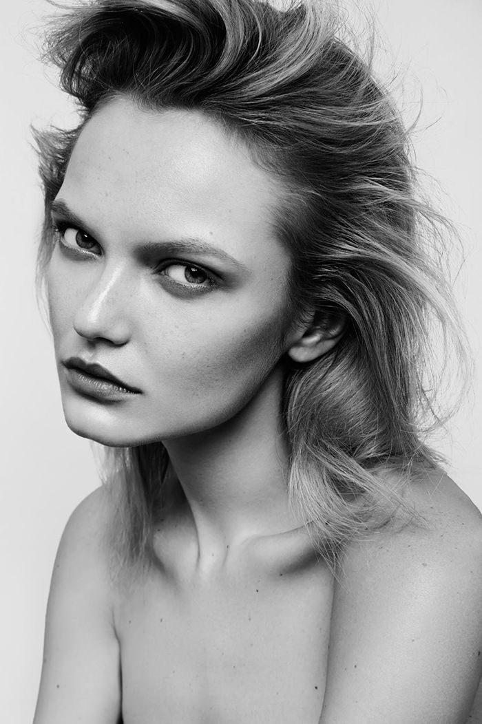 Iryna Rozhik by Alex Trommlitz