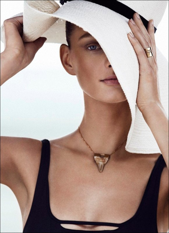 Patricia Van Der Vliet by Alvaro Beamud Cortes for Harper's Bazaar Germany