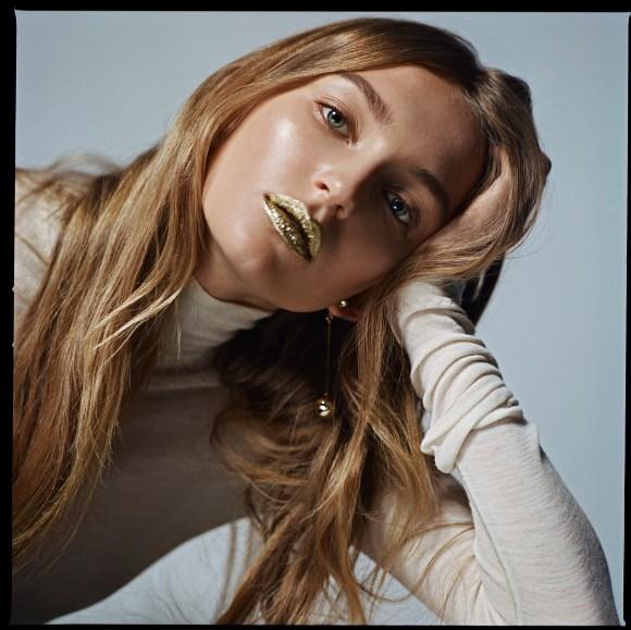 Nicole Moulds by Aldona Karczmarczyk