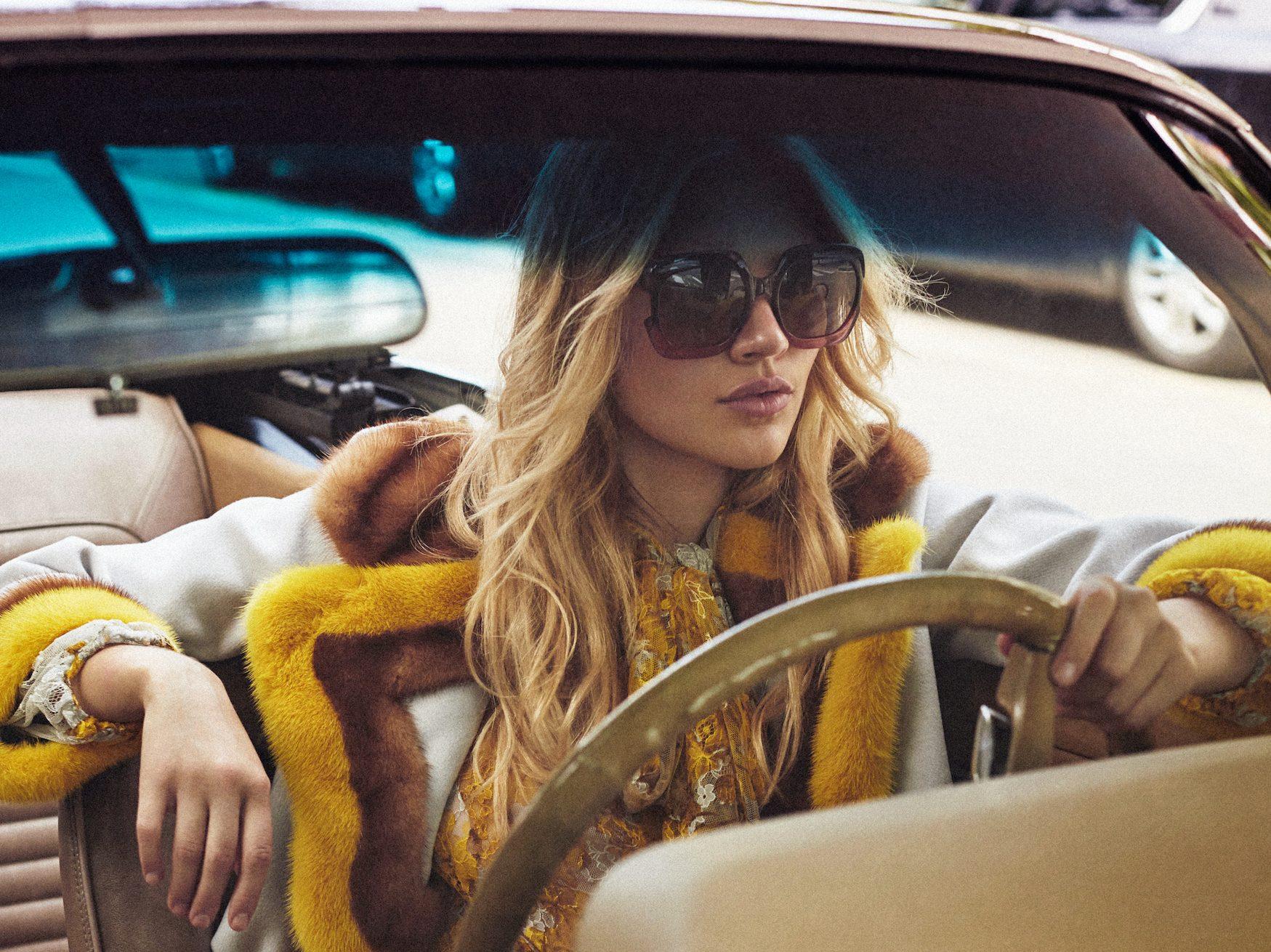 Caroline Corinth photographed by Xavi Gordo for Elle Spain, September 2017