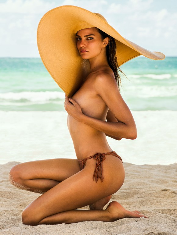 Barbara Fialho by Danny Cardozo for GQ Brasil