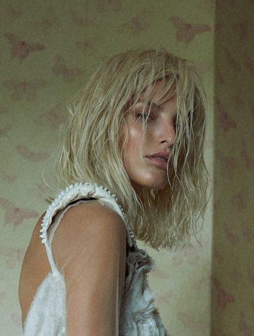 Michaela Kocianova photographed by Andreas Ortner for Elle Czech Republic, December 2017 2