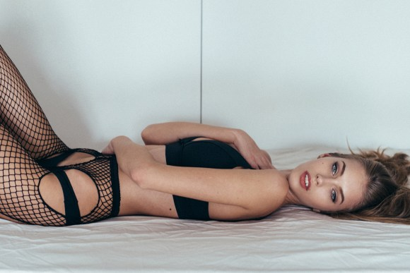Yulia Rose by Emanuele Ferrari