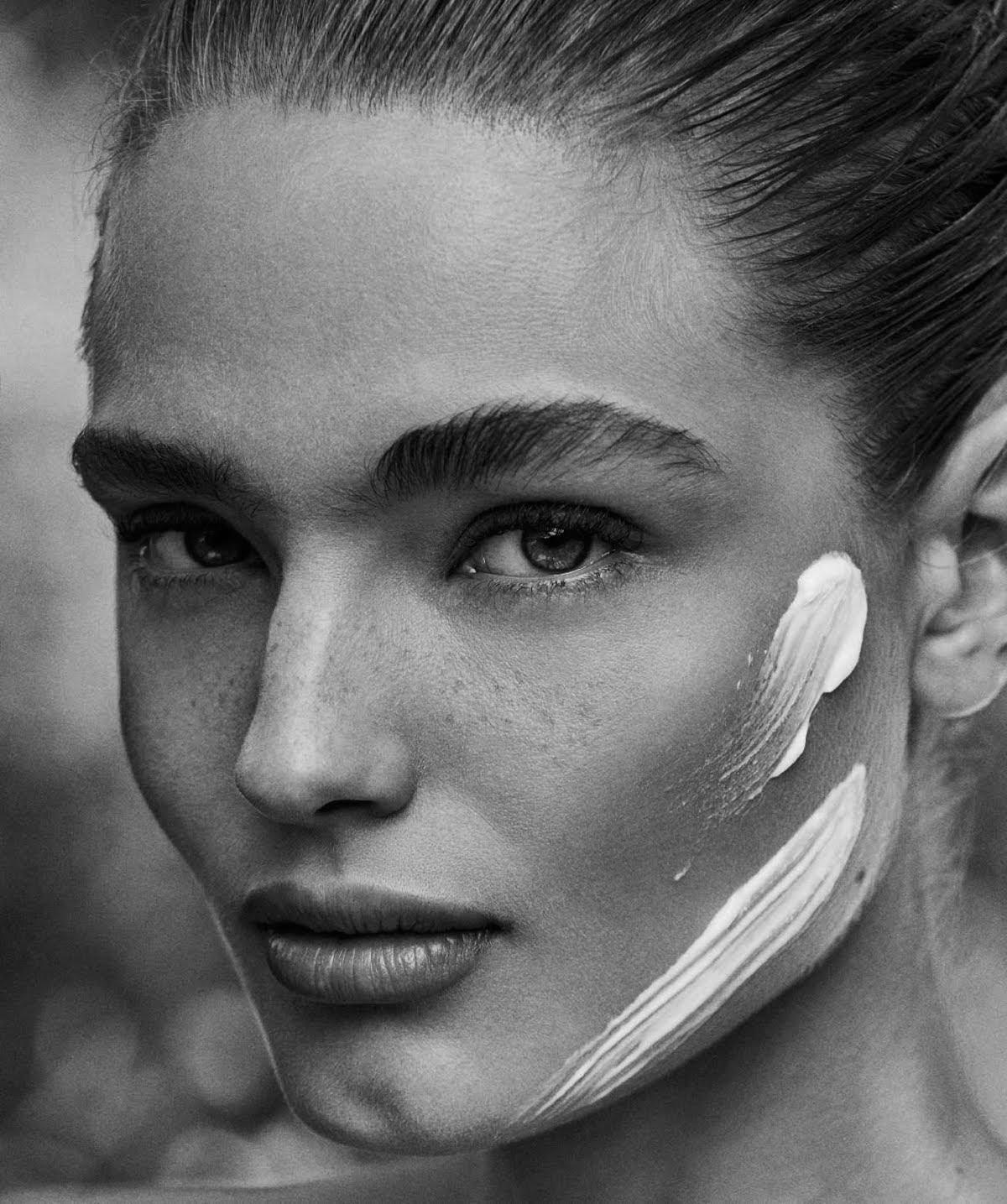 Anna Mila Guyenz by Rosa Copado for Harper's Bazaar Spain