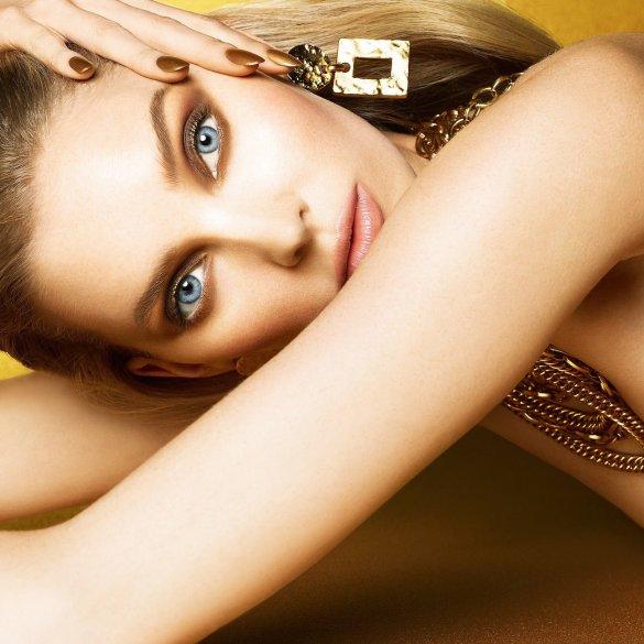 Elsa Hosk by Enrique Vega for Vogue Taiwan