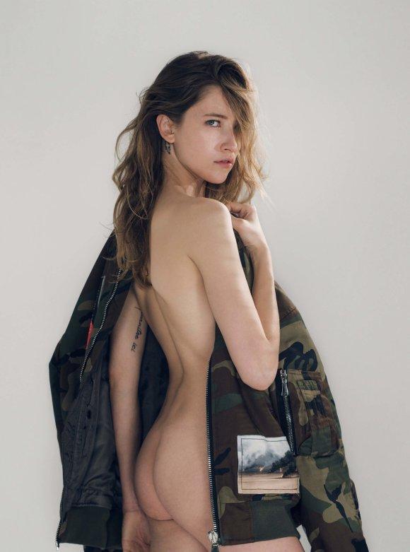 Roxane Glineur by Jens Stoltze