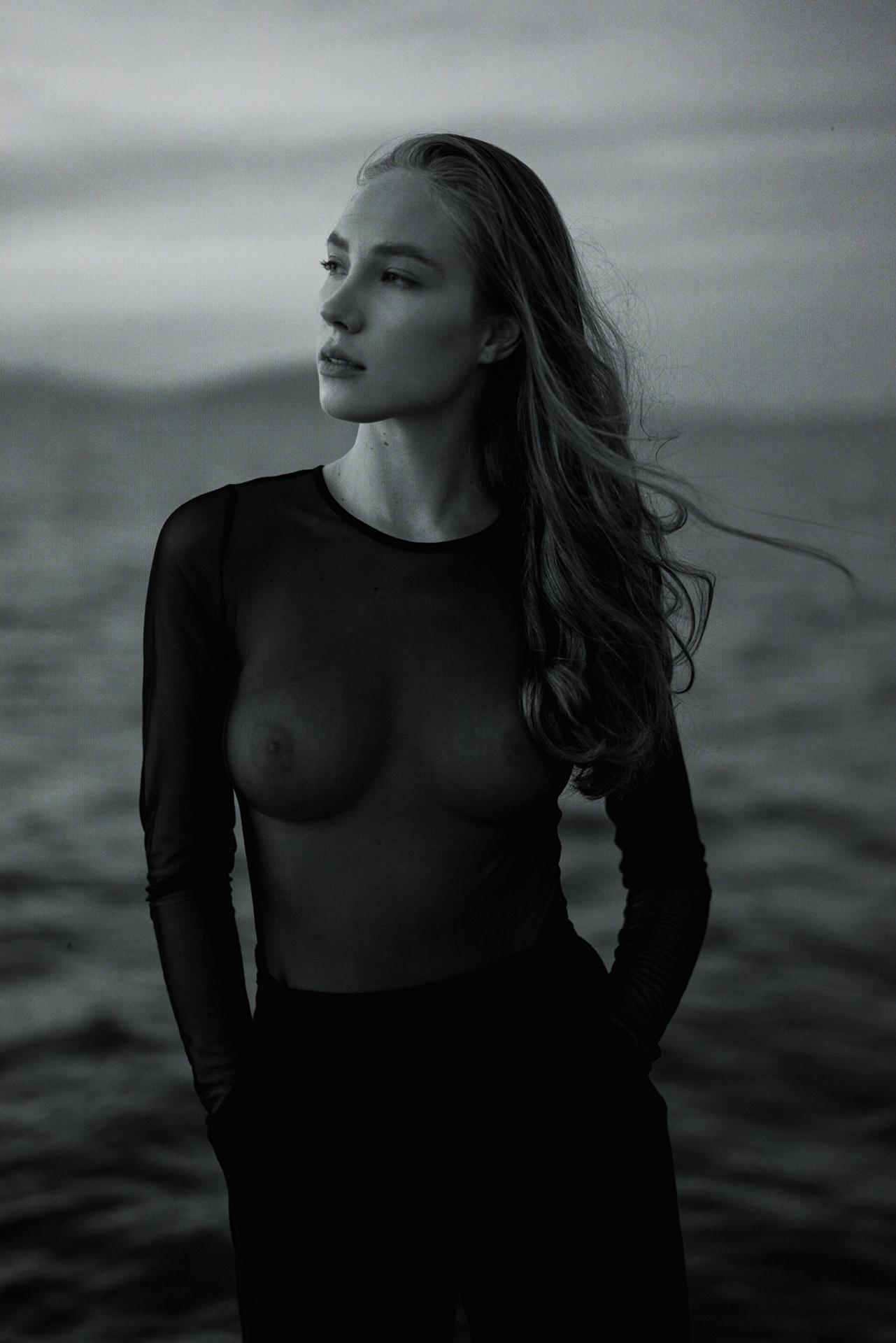Vasilisa Tutneva by Roman Filippov