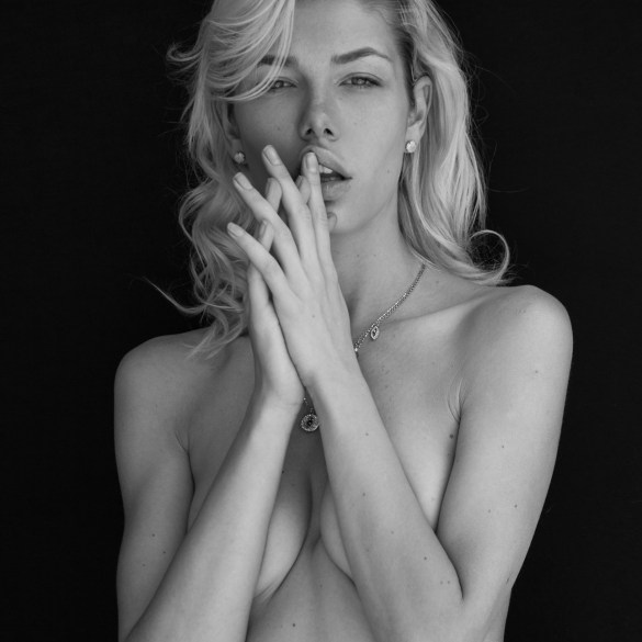 Anastasia Belotskaya by Omar Coria for Maxim Mexico 1