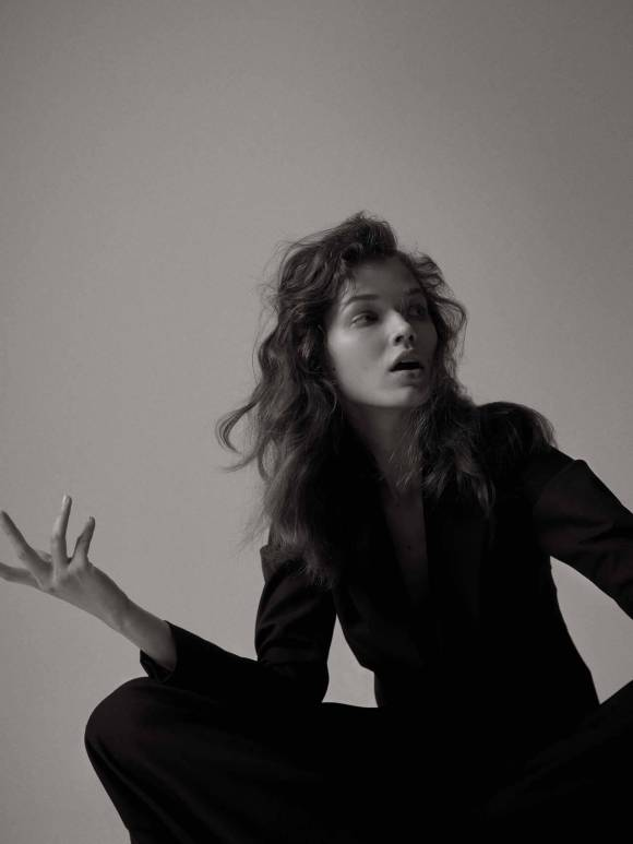 Dominika Drozdowska by Oliver Begg for Doingbird Magazine