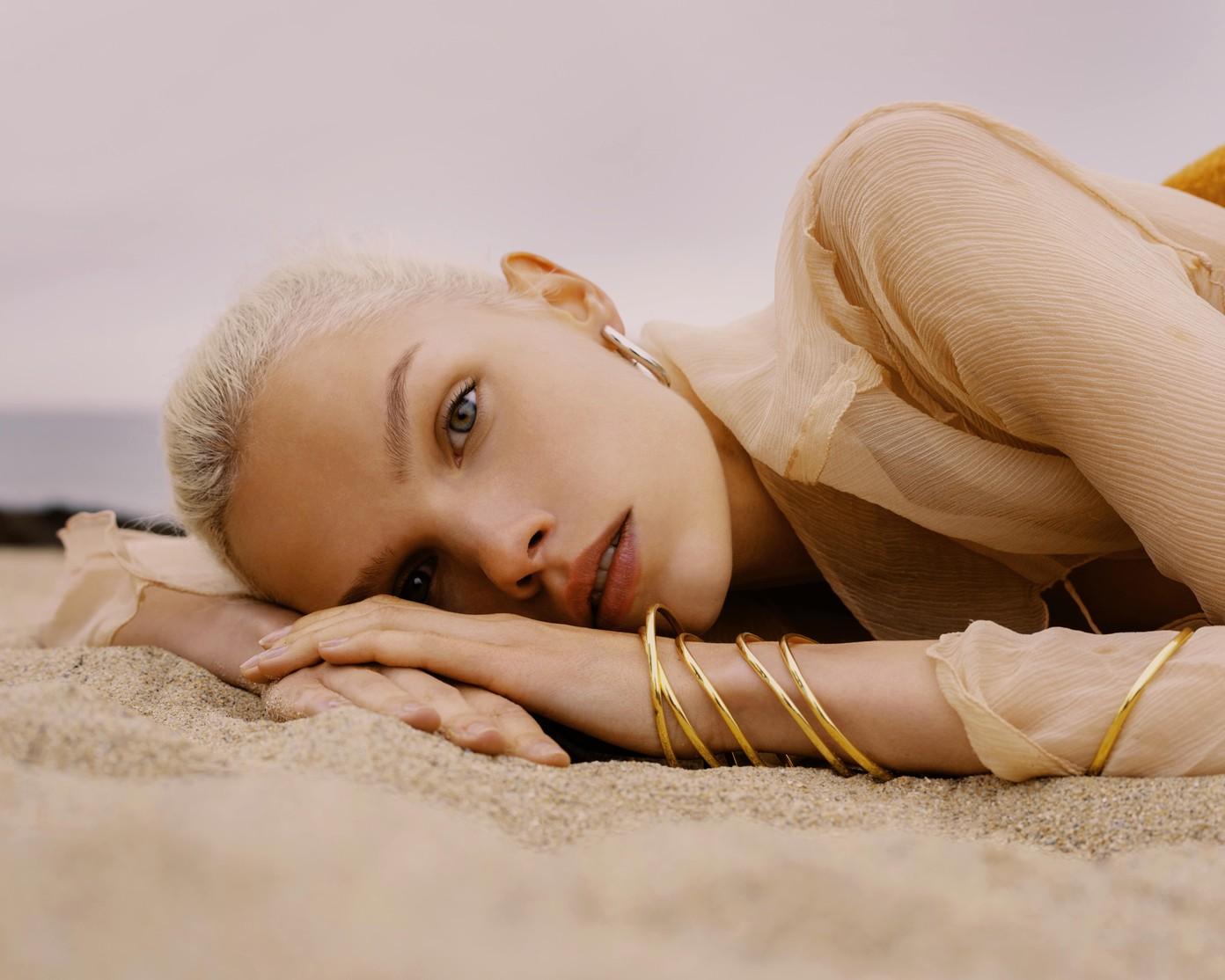 Kate Lapochkina by Denis Boulze