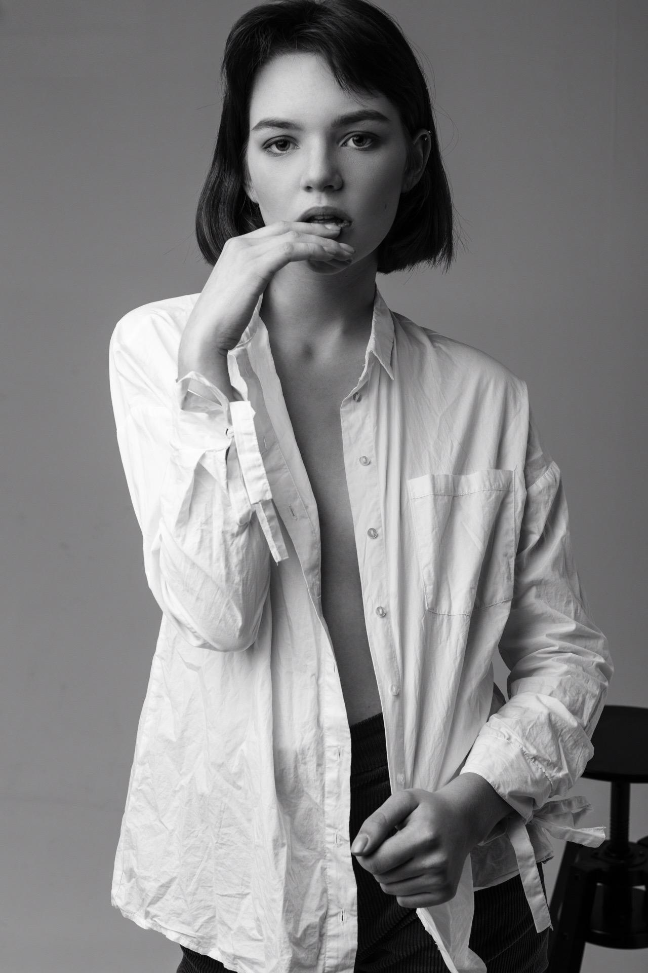 Viktoria by Yura Ionov