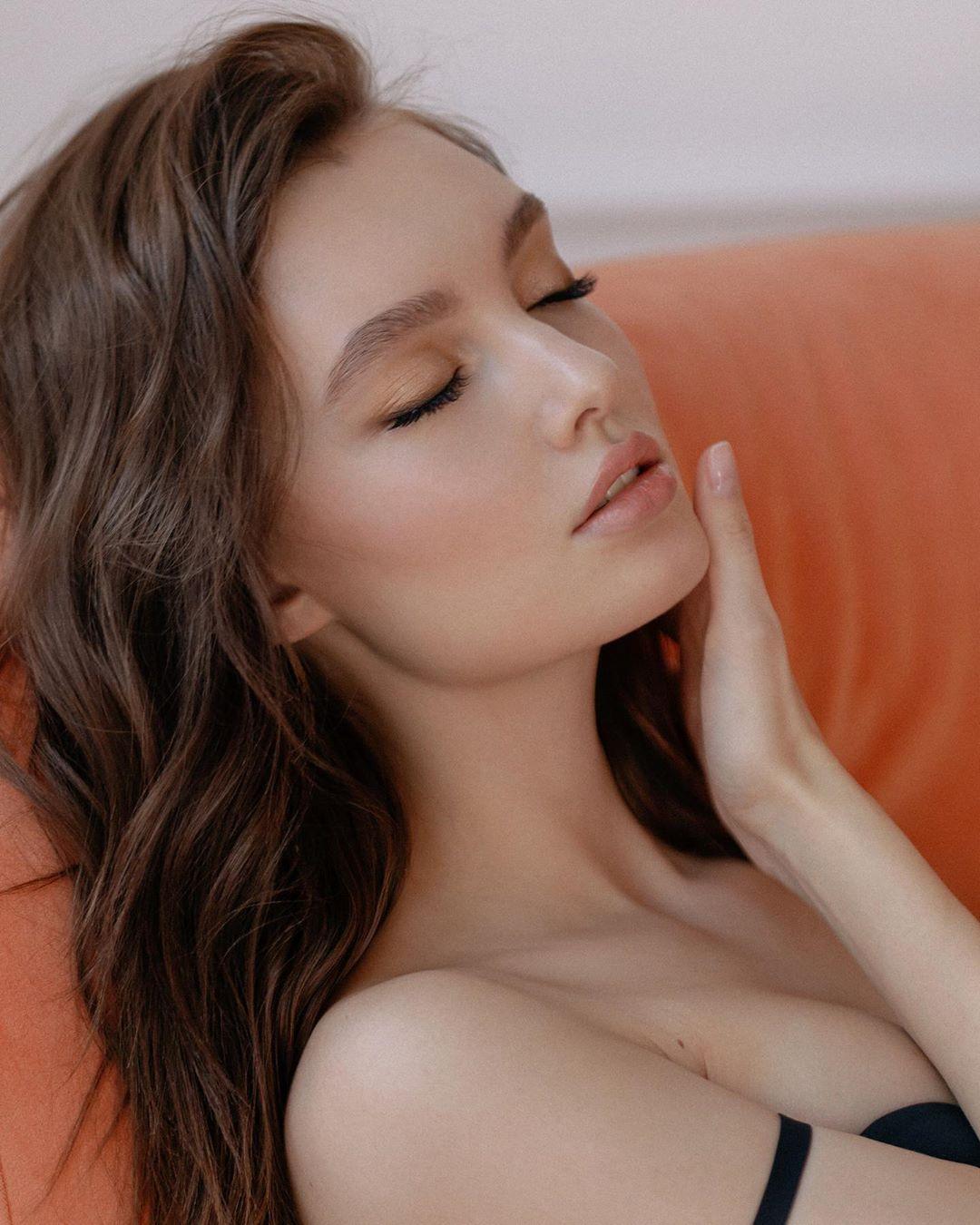 Polina Litvinova by Elena Volotova