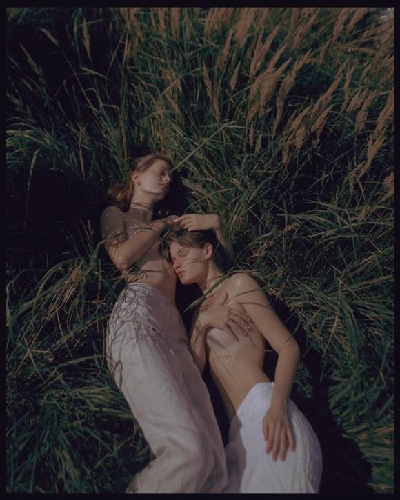 Ulyana Ananyeva and Alina Stehnovich by Maxim Baglaev