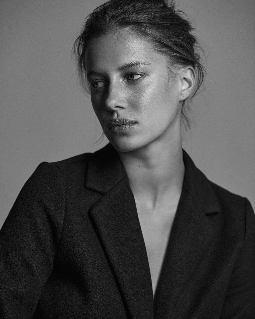 Nicole Poturalski by Marie Schmidt