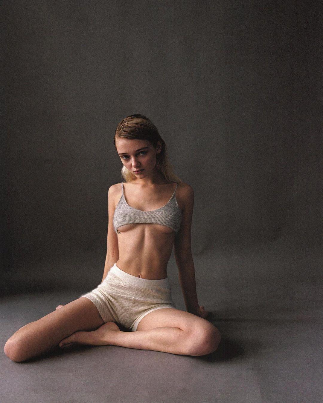 Olesya Ivanishcheva by Sasha Tsyganok