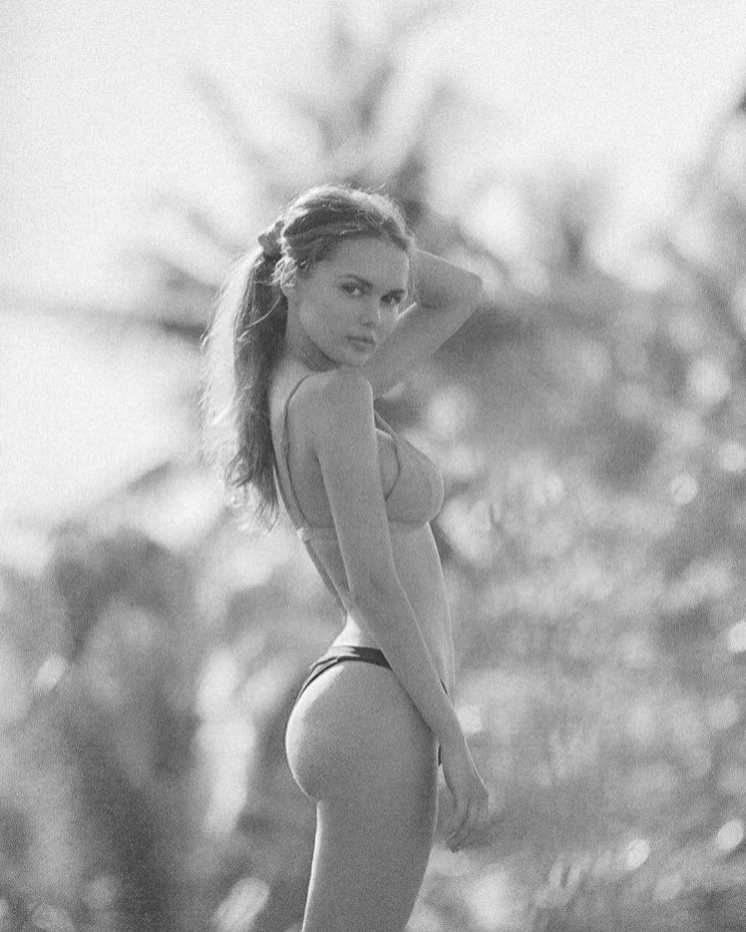 Angelina Boyko by Yexley