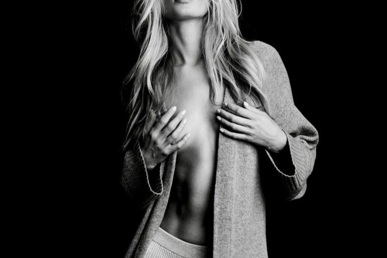 frida-aasen-sexy
