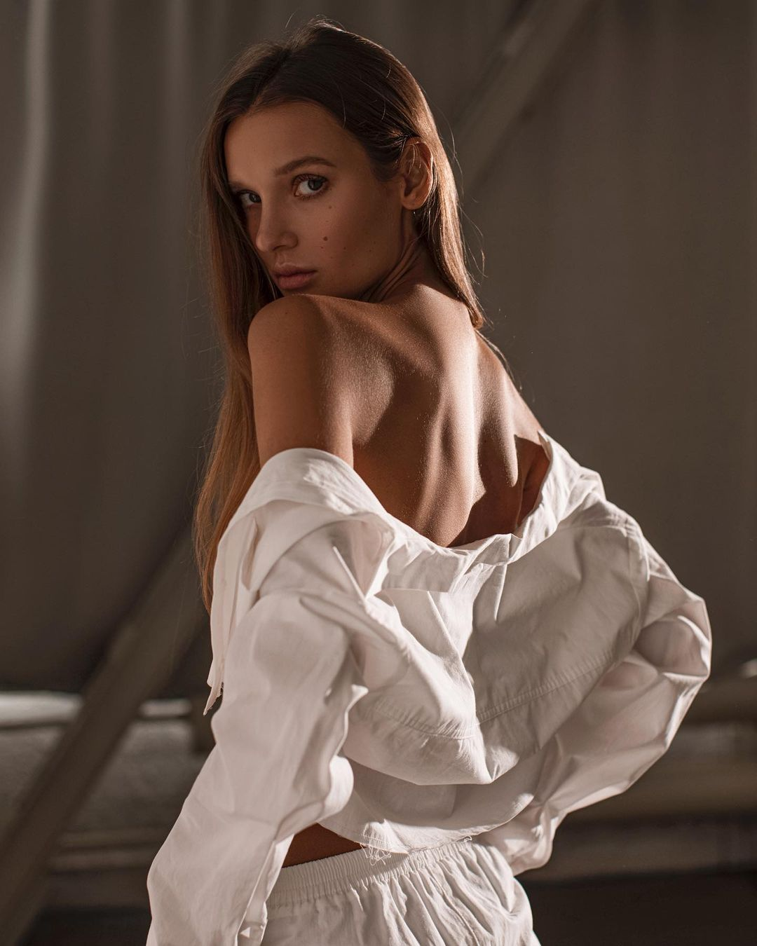 Ksenia Vinogradova by Natasha Motorina