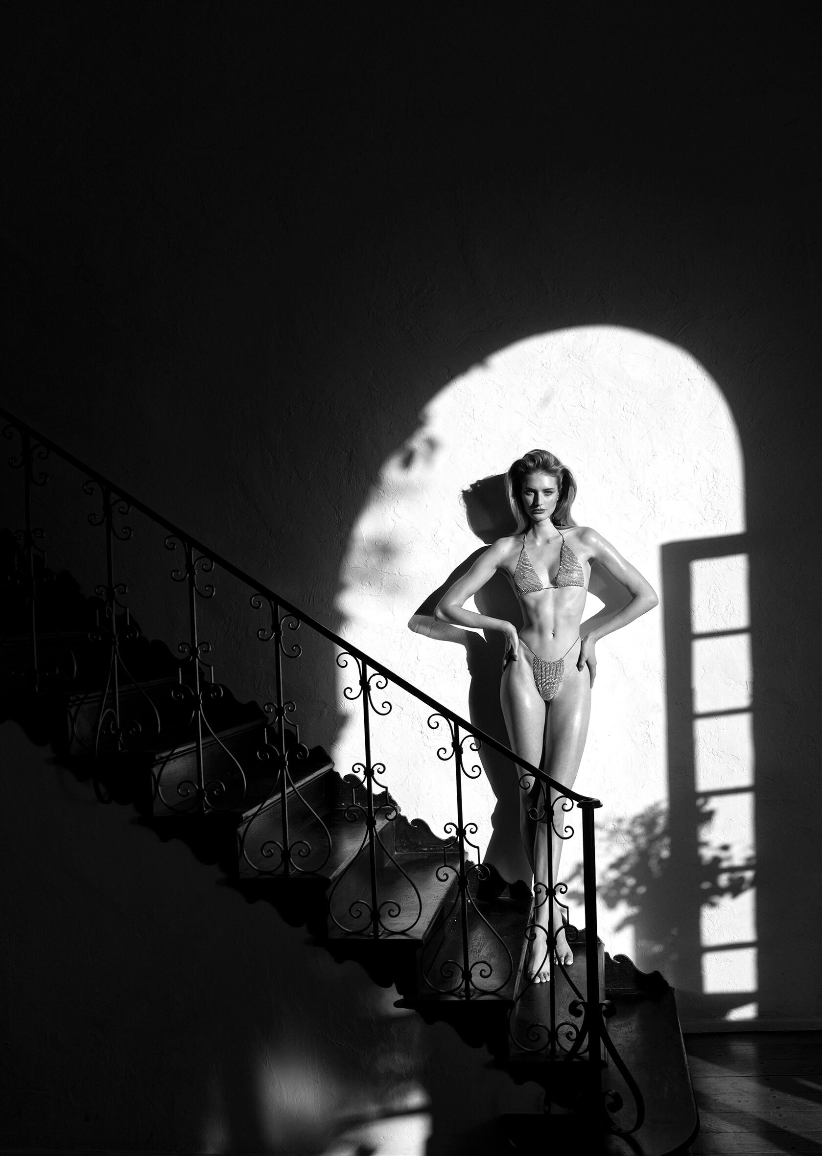Sanne Vloet by Leonardo Corredor