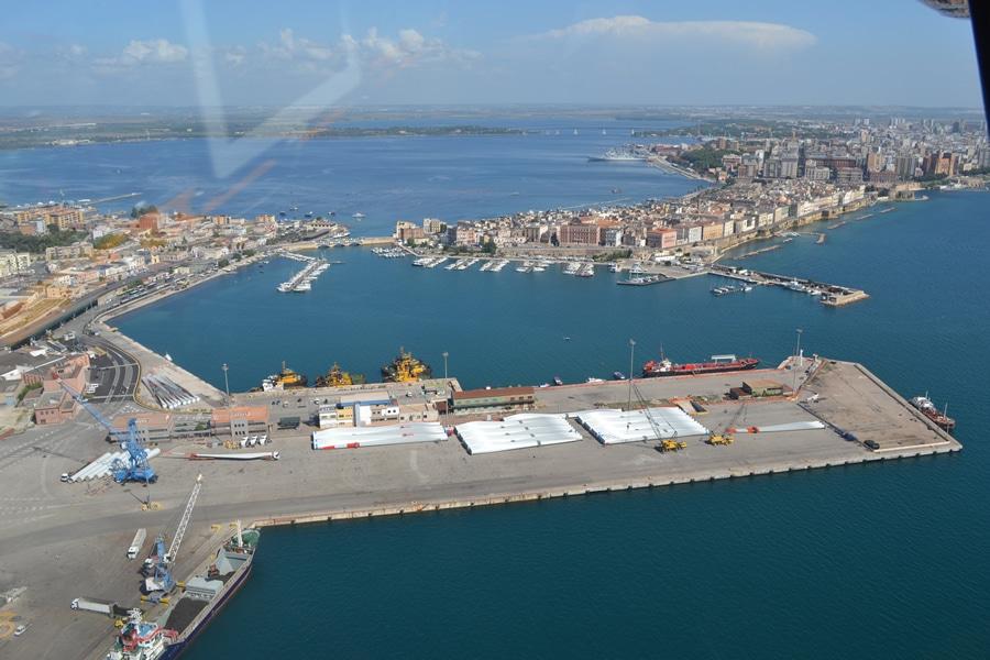 Taranto's Coast Guard Seizes Port Area