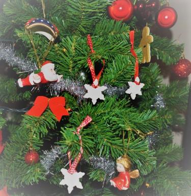 DIY χριστουγεννιάτικα στολίδια από λευκό πηλό