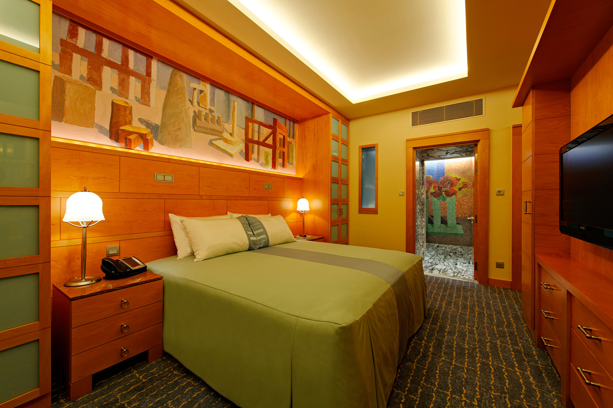 1) Hotel Michael - Room Interior_low