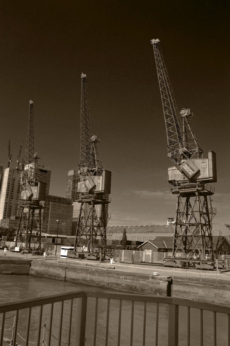 wood wharf crane