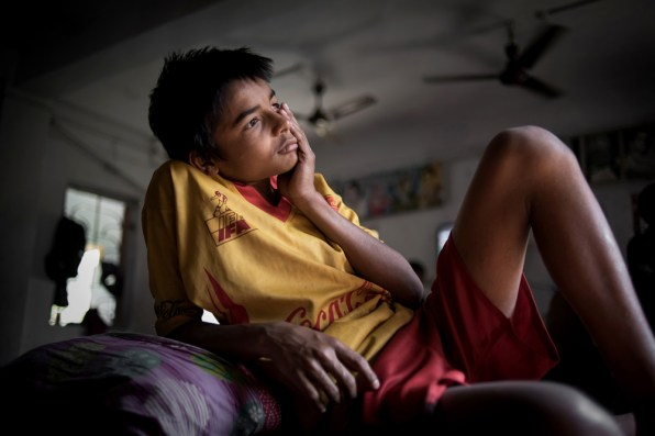 Raja Rahman(15), a runaway kid from home is having a very pensive and personal moment. According to him, his mother actually expelled him from home due to his bad habits like cigarettes and marijuana. But later he realized his mistakes and went to Ms. Bharati Dey, the secretary of Durbar, to get enrolled in the academy. He said that he was able to leave all the bad habits due his enormous love for football. He desperately wanted to get back to the field again.