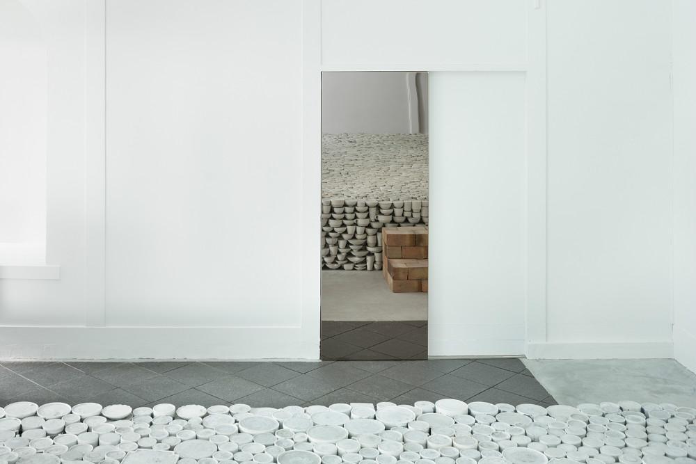 Hasami, Maruhiro, Japanese, Yusuke Seki, looring, ceramics, minimalism, culture