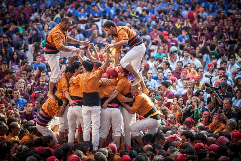 Human Tower starting to be build.