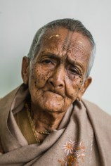 Kiran Dasi (97) came from Bangladesh to Vrindavan in 1998, because she wanted to devote her life to Krishna, after her daughter founded her own family.