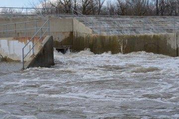 Fawell Dam April 20