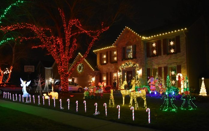 Naperville Christmas Lights 2021 Driving Tour Discover Bright Lights Of Naperville With Gratitude For Small Businesses Every Day Positively Naperville