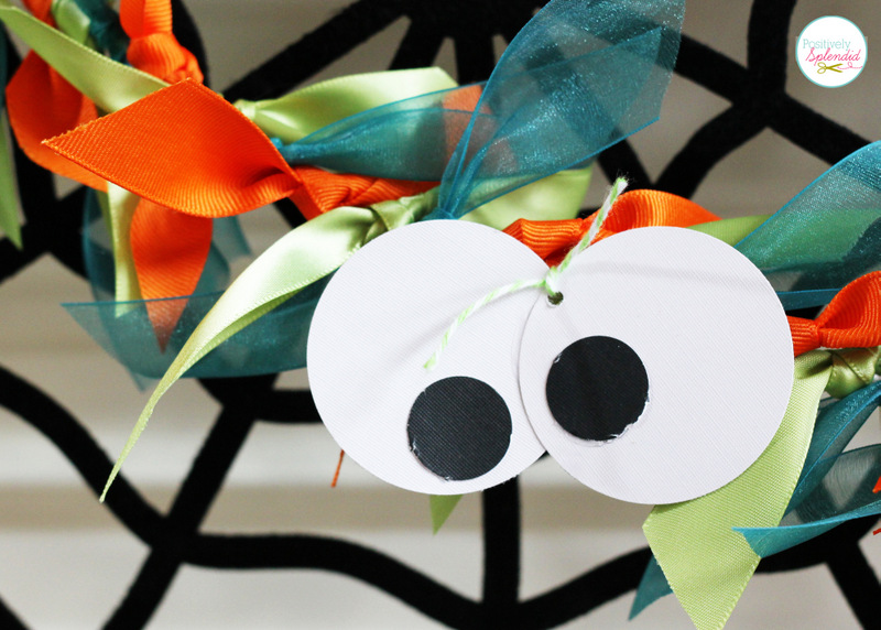 Halloween Mantel at Positively Splendid with Googly Eye Wreath and Garland. This is so adorable!