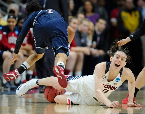 Dukes fall to Connecticut in NCAA women's basketball ...
