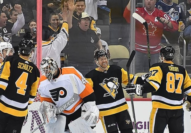 The Penguins' Patric Hornqvist celebrates his goal in the second period against the Flyers.