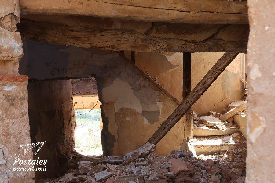 Casa en Ruinas - Postales para Mamá